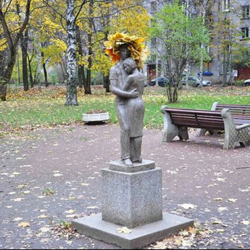 Monument to love in St. Petersburg - photo of russia
