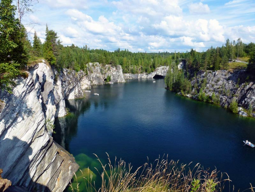 "Mountain Park ""Ruskeala"" and Marble Canyon in Karelia - photo of russia"