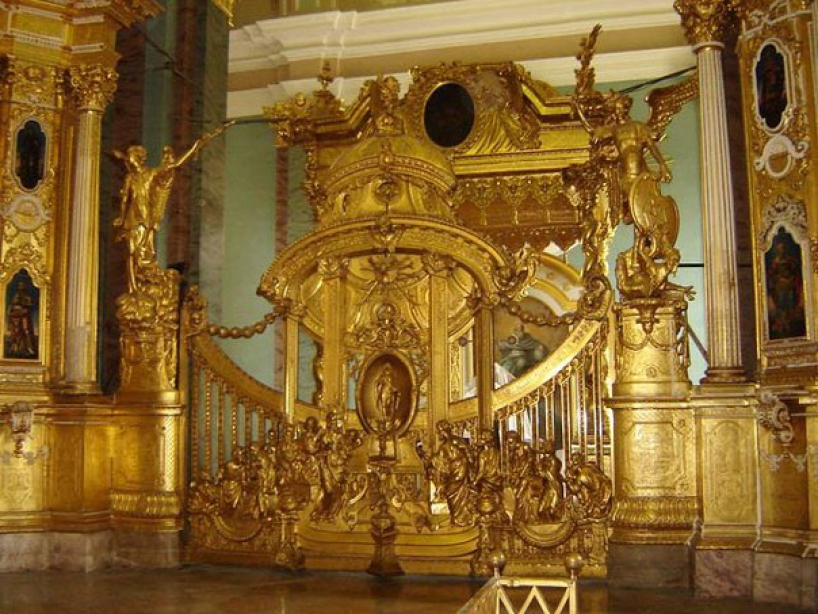 Peter and Paul Cathedral. Iconostasis. King's Gate. - photo of russia