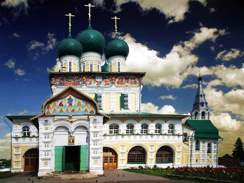 Resurrection Cathedral in Tutaev - photo of russia