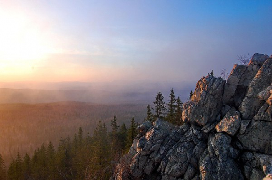 Sunset in the mountains - photo of russia