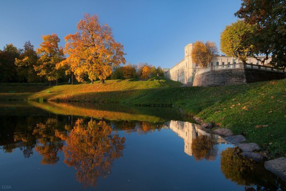 The palace and park ensemble of Gatchina - photo of russia